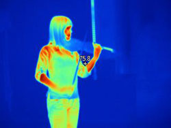 Listening to the fiddle music of Sato Matsui (Class of 2014) while wandering through the galleries… with the infrared camera.